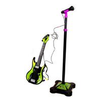 Gitar med mikrofon og stativ