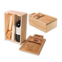 Gravert gaveboks for vin og ost