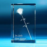 Rose i glassblokk med individuell tekst